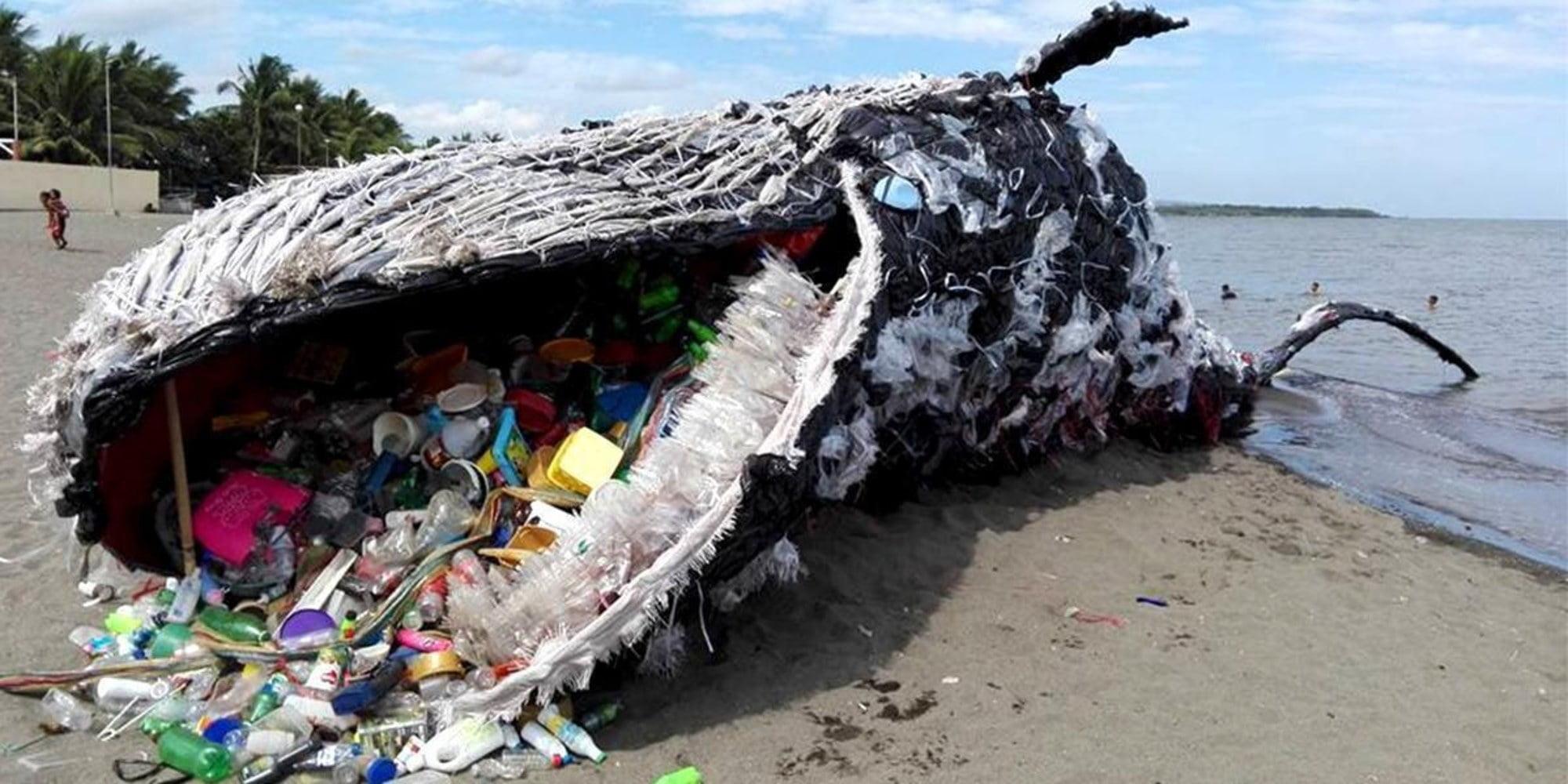 Risultati immagini per greenpeace installazione artistica balena plastica