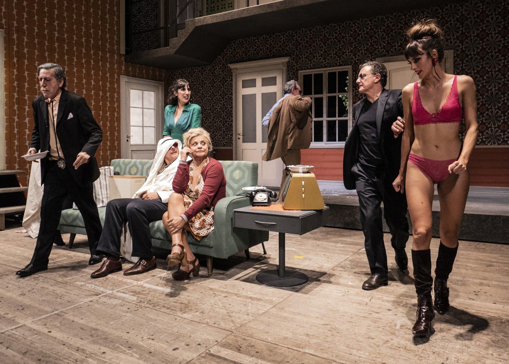 Rumori fuori scena al Teatro Bellini di Napoli – La recensione