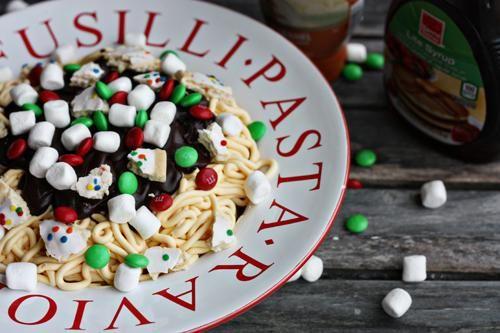 Un film a tavola: gli Spaghetti Breakfast con biscotti e caramelle di Elf