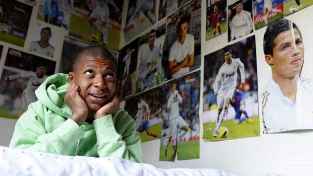 Chi è il migliore tra Messi o Ronaldo? Mbappe sceglie il portoghese