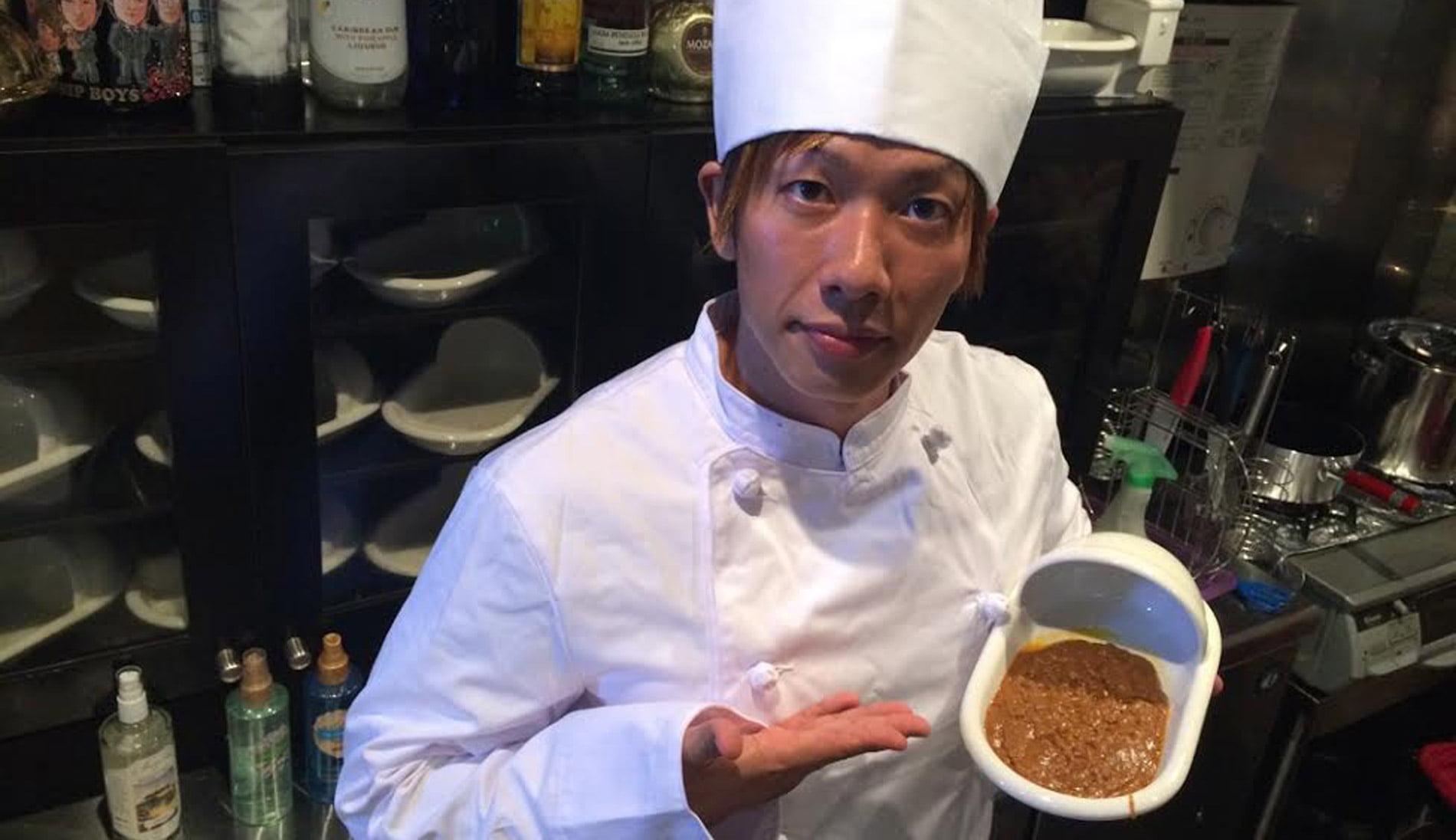 """Chef giapponese prepara piatto alla """"cacca"""""""